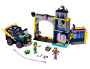 41237 Batgirl™ Secret Bunker